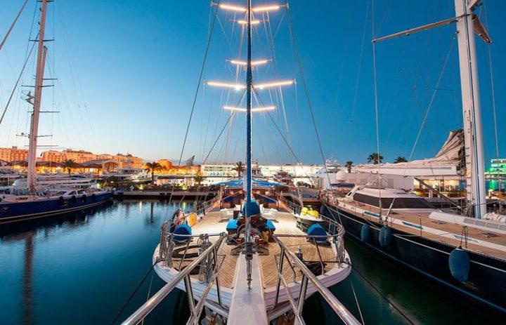 fotografía embarcaciones de lujo Marina Real Valencia