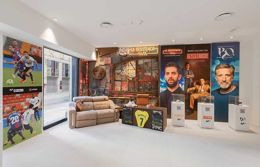 fotografía tienda emblemática movistar en valencia centro