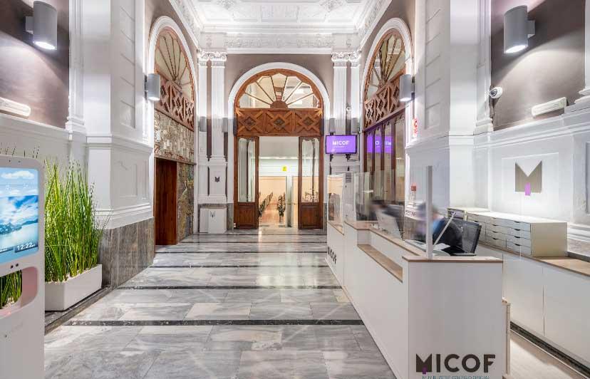 fotografía acceso edificio señorial micof valencia